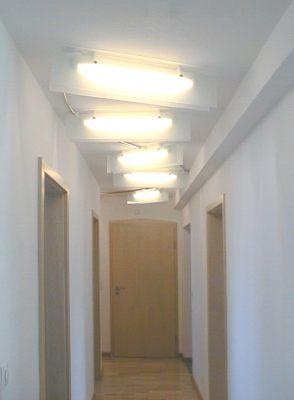 Peter pich lichtgestaltung und galerie bildbeleuchtung for Deckenlampe flur